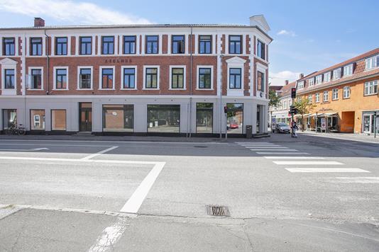 Bolig/erhverv på Storgade i Sorø - Set fra vejen