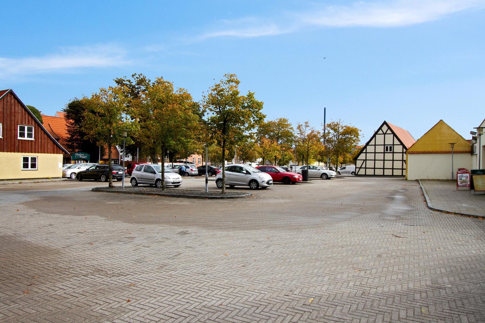 Bolig/erhverv på Algade i Korsør - Parkeringsplads