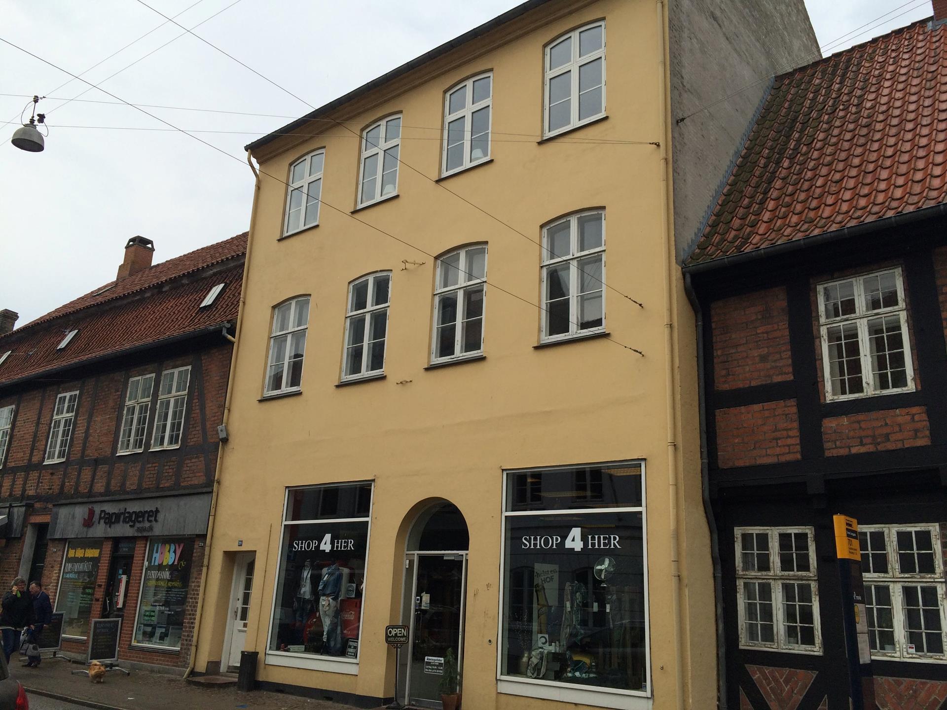 Bolig/erhverv på Langgade i Nykøbing F - Ejendommen