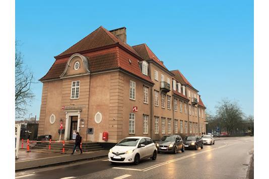 Kontor på Banegårdspladsen i Næstved - Ejendommen