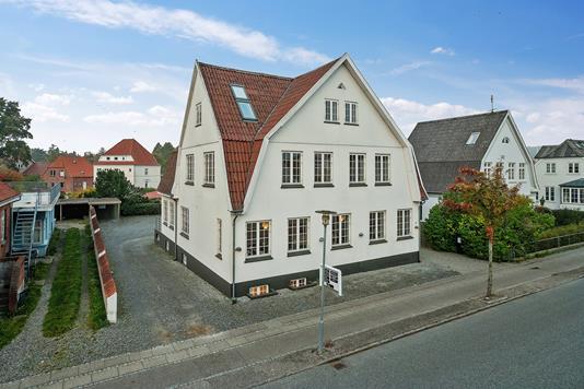 Kontor på Callesensgade i Aabenraa - Set fra vejen
