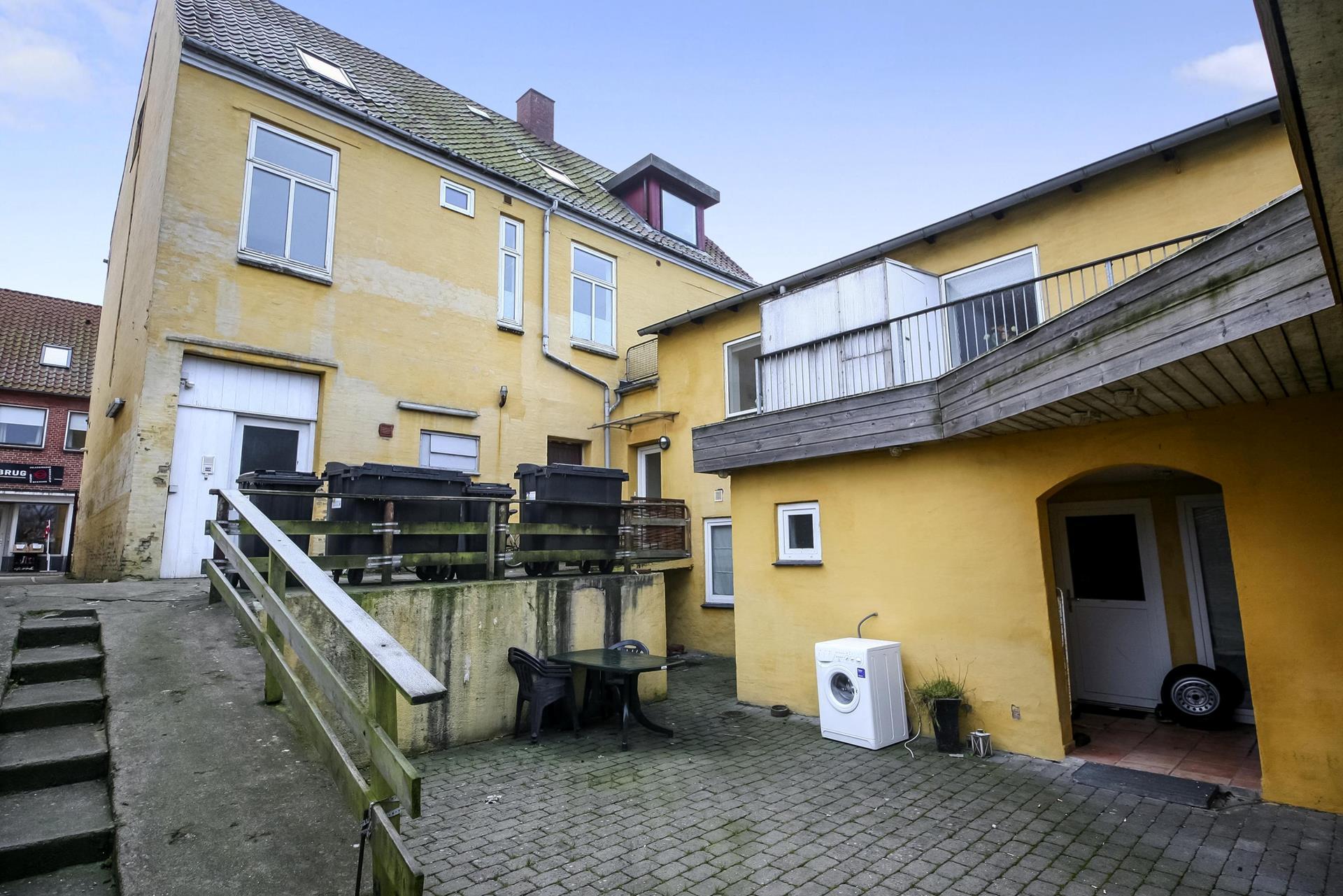 Boligudlejning på Slotsgade i Gråsten - Bag facade