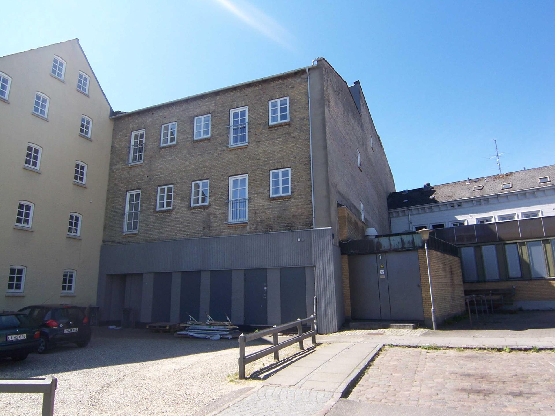 Bolig/erhverv på Perlegade i Sønderborg - Bag facade