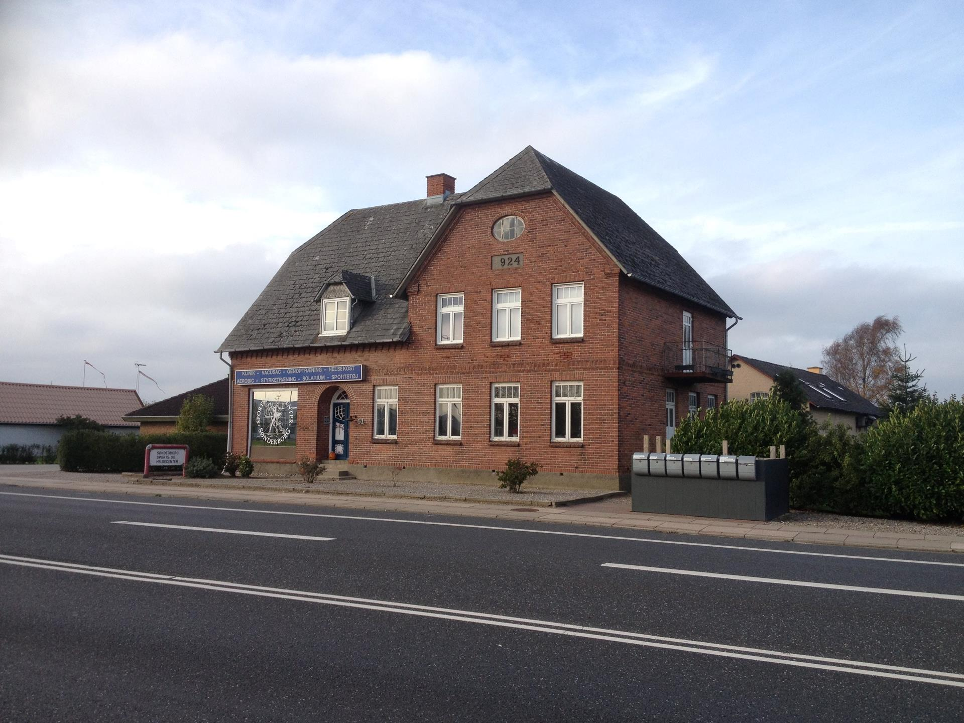 Bolig/erhverv på Augustenborg Landevej i Sønderborg - Facade