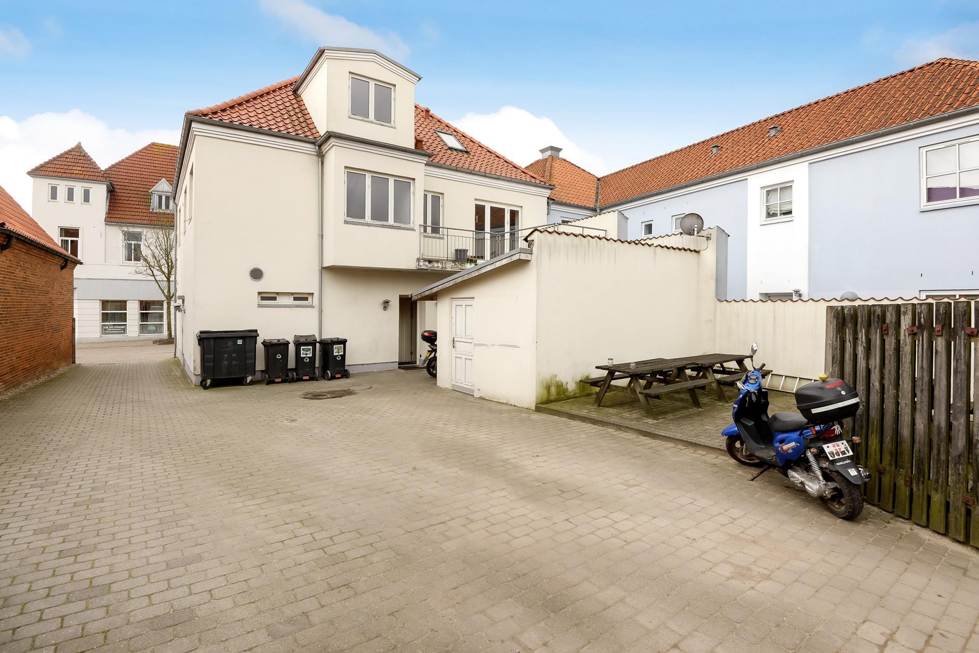 Bolig/erhverv på Storegade i Augustenborg - Bag facade