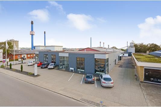 Produktion/lager på Industrivej i Ølgod - Erhverv