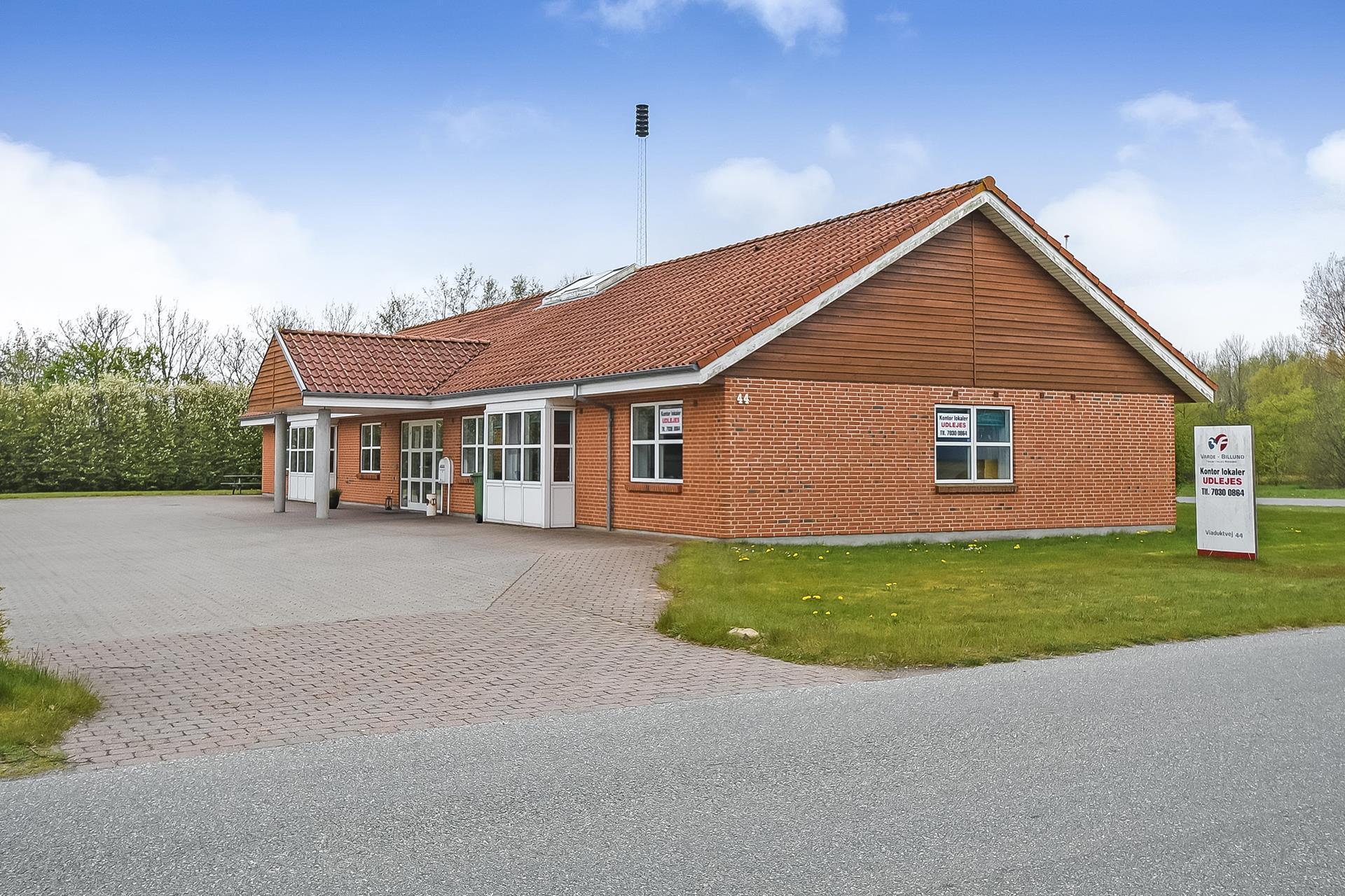 Bolig/erhverv på Viaduktvej i Ølgod - Ejendommen