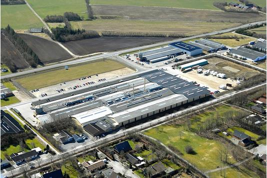 Produktion/lager på Fabriksvej i Bording - Luftfoto