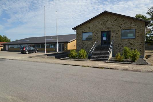 Produktion/lager på Torneåvej i Ikast - Facade