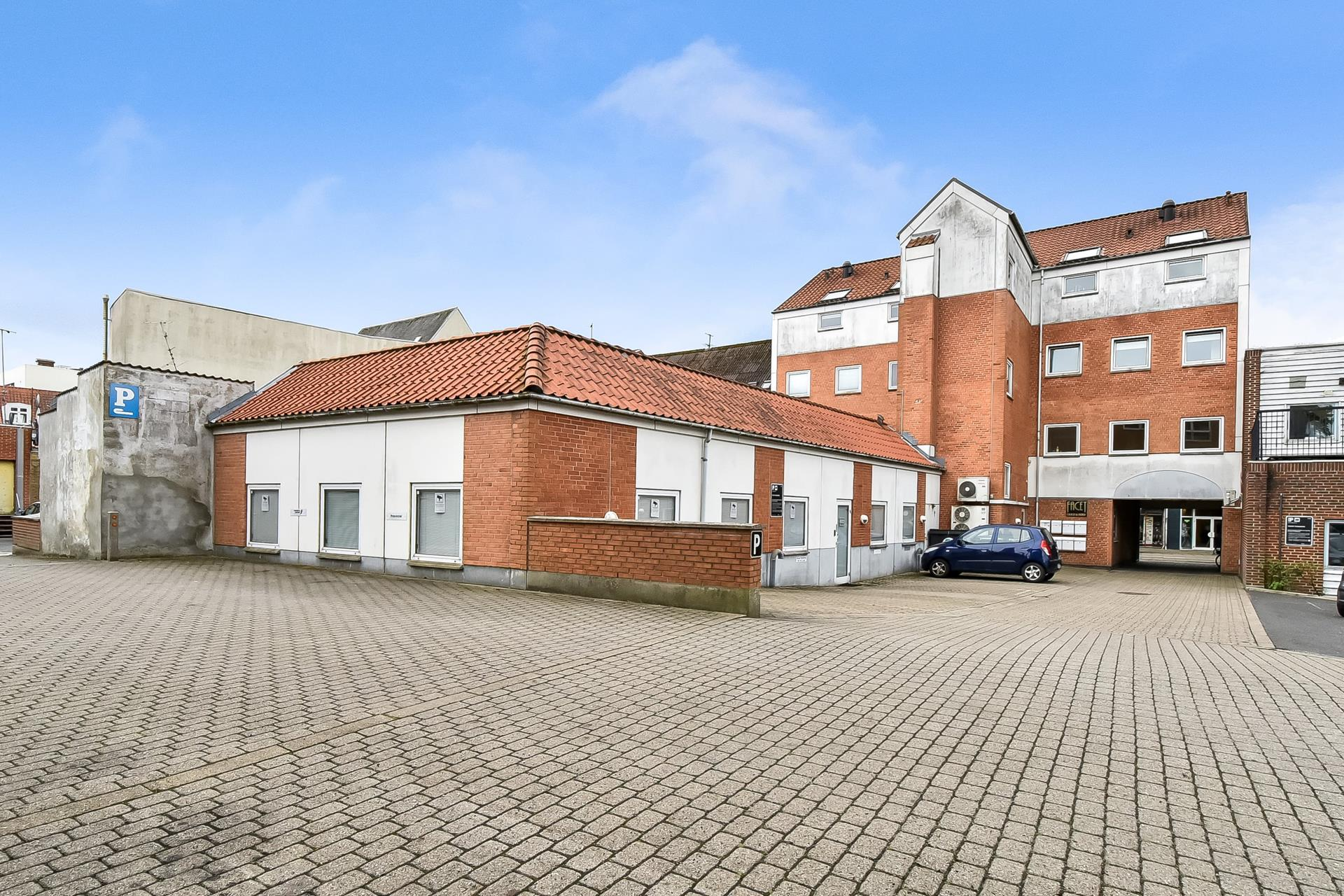 Bolig/erhverv på Bredgade i Herning - Parkeringsareal