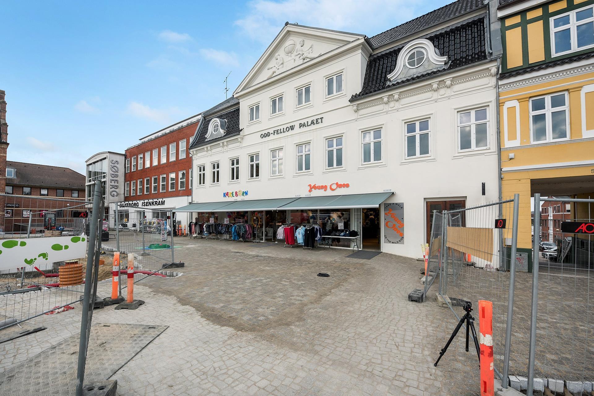 Bolig/erhverv på Torvet i Silkeborg - Ejendommen