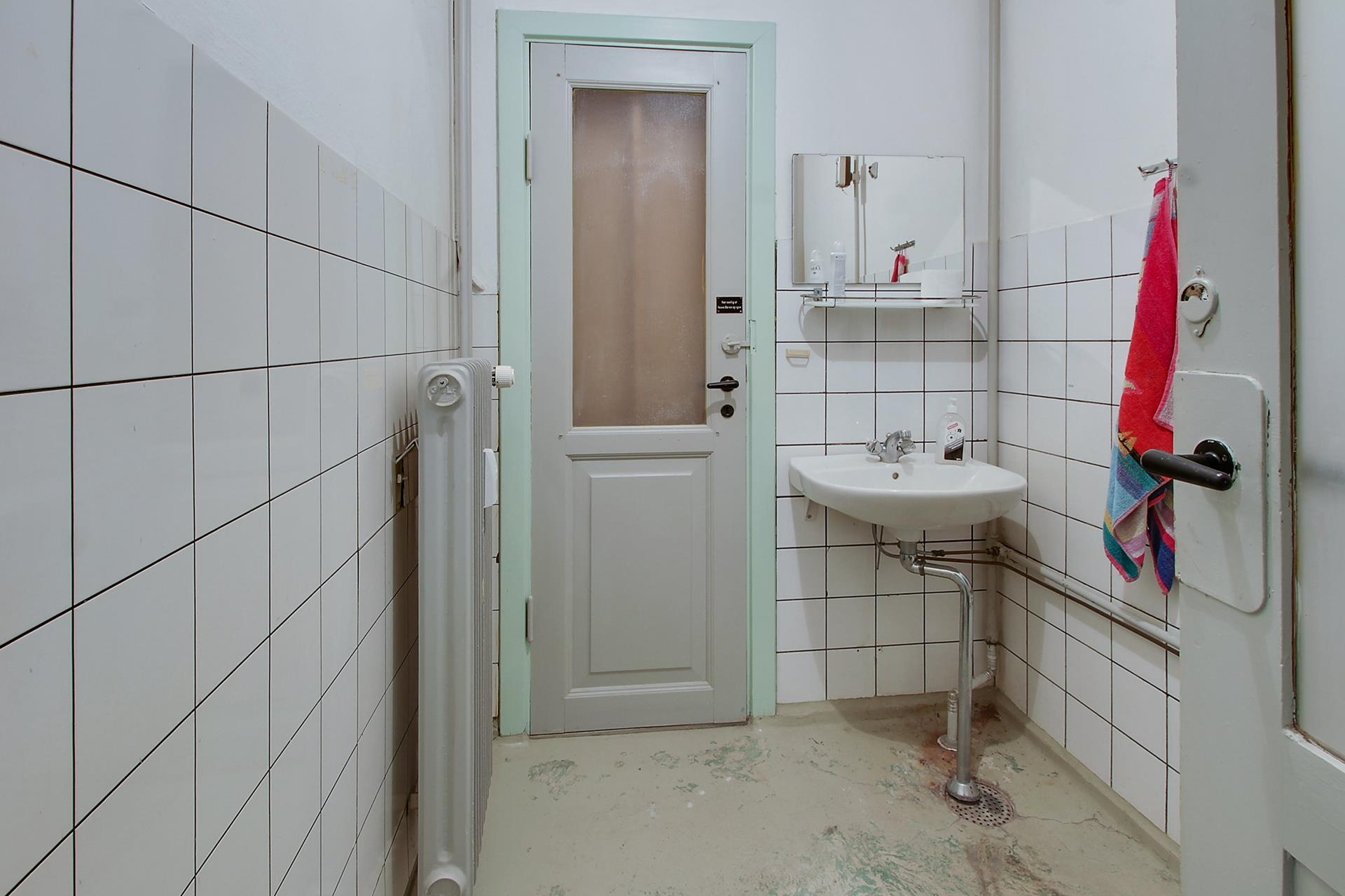 Bolig/erhverv på Jernbanegade i Nykøbing M - Badeværelse