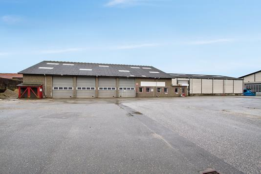 Produktion/lager på Voerbjergvej i Nørresundby - Port facade