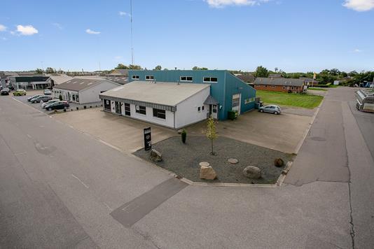 Produktion/lager på Industrivej i Aabybro - Ejendommen