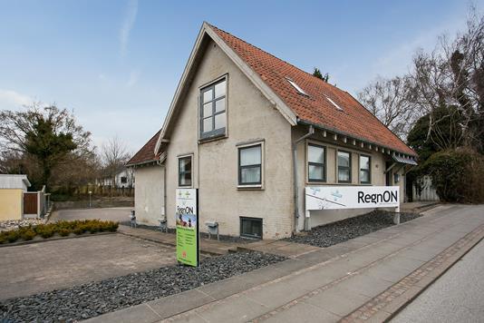 Kontor på Hobrovej i Aalborg SV - Ejendommen