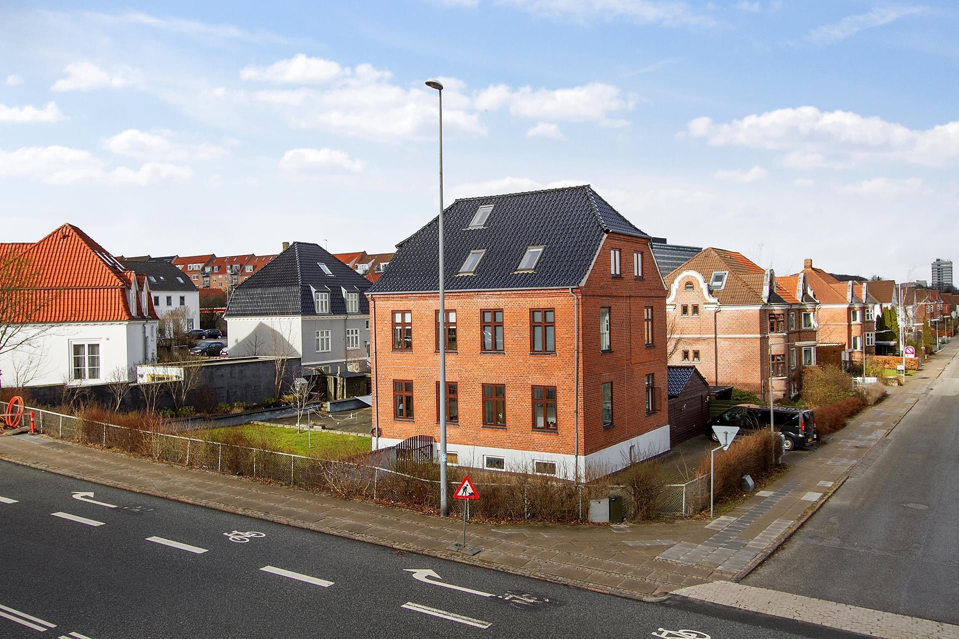 Bolig/erhverv på Tyge Brahes Vej i Aalborg - Ejendommen