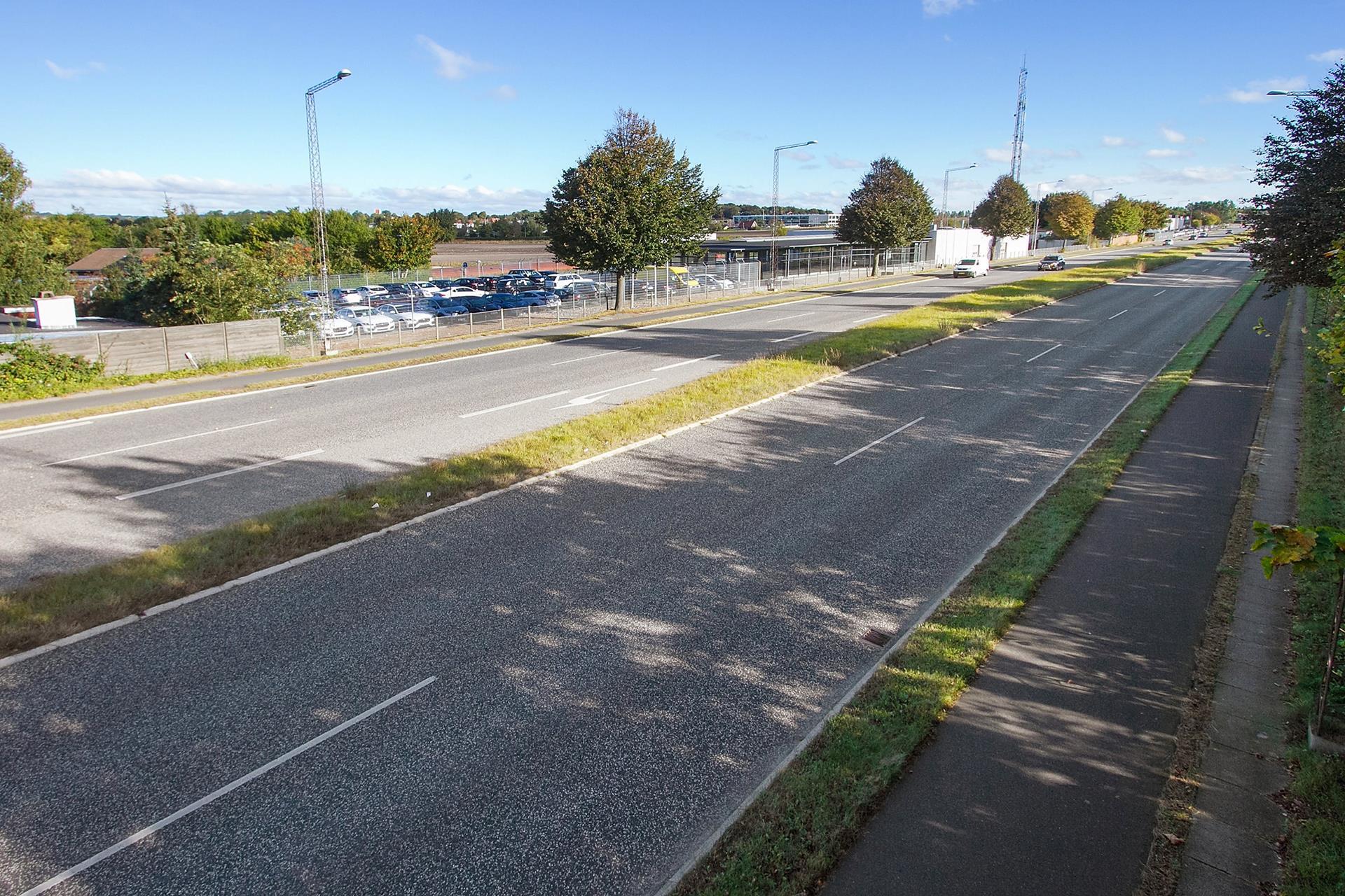 Detail på Øsselbjergvej i Egå - Omgivelser