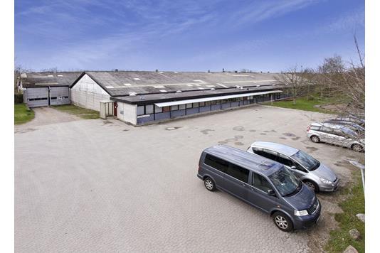 Produktion/lager på Sortevej i Hornslet - Ejendommen