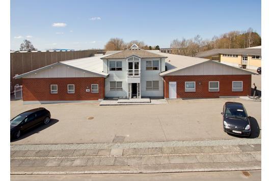 Kontor på Teglbækvej i Hasselager - Ejendommen
