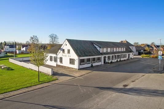 Restauration på Jernbanegade i Fårup - Ejendommen