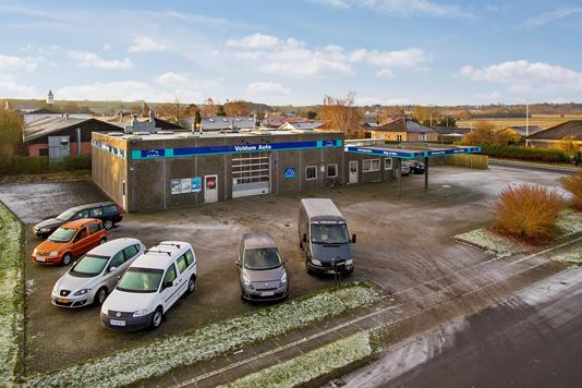 Produktion/lager på Dalsbrovej i Hadsten - Ejendommen