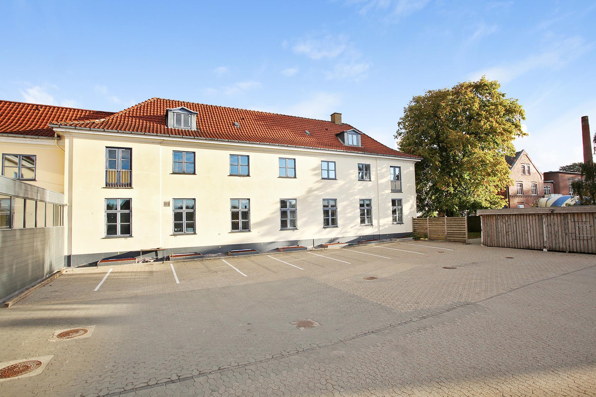 Bolig/erhverv på Jernbanegade i Brædstrup - Ejendommen