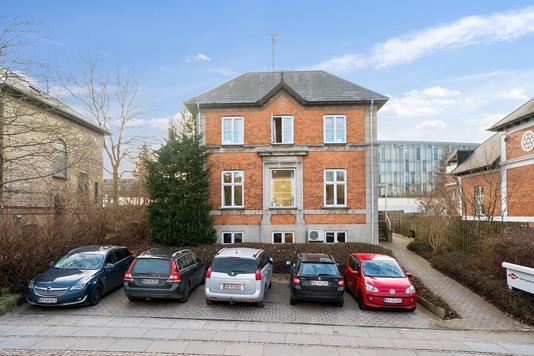 Kontor på Sorgenfrivej i Kongens Lyngby - Set fra vejen