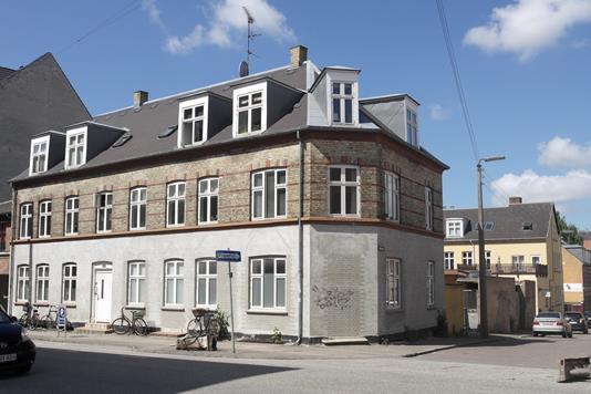 Boligudlejning på Gammel Jernbanevej i Valby - Ejendommen