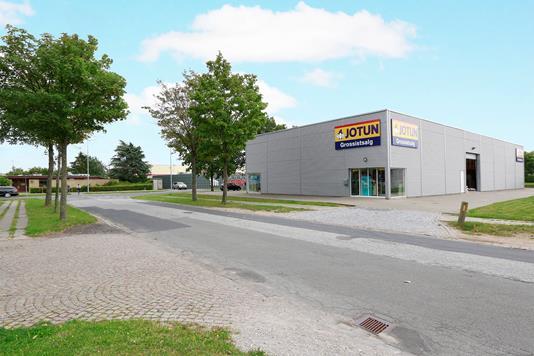 Produktion/lager på Klokkestøbervej i Odense M - Set fra vejen