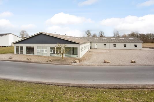 Produktion/lager på Holmevænget i Aarup - Facade