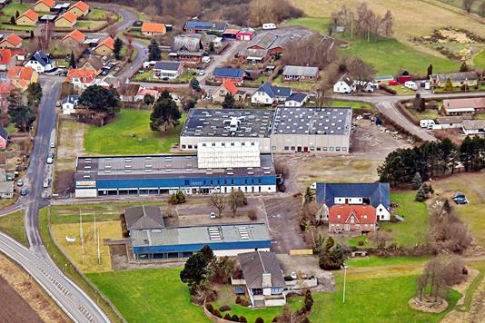 Produktion/lager på Trekanten i Grevinge - Luftfoto