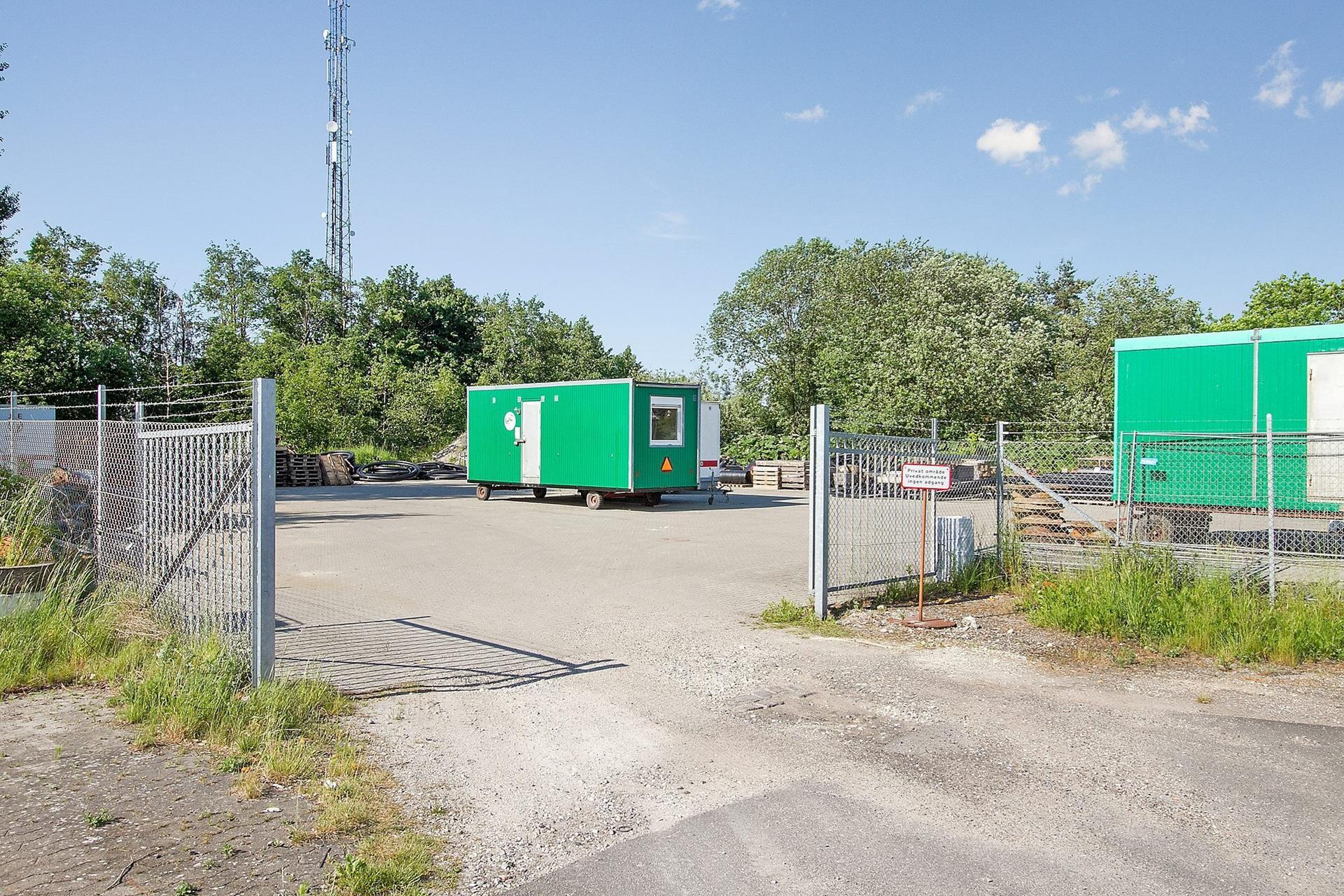 Erhvervsgrund på Hjortevænget i Viby Sjælland - Grund